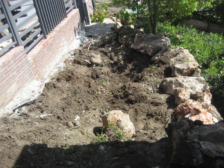Muro de piedra 3 jardines y piscinas borrego for Jardines y piscinas borrego