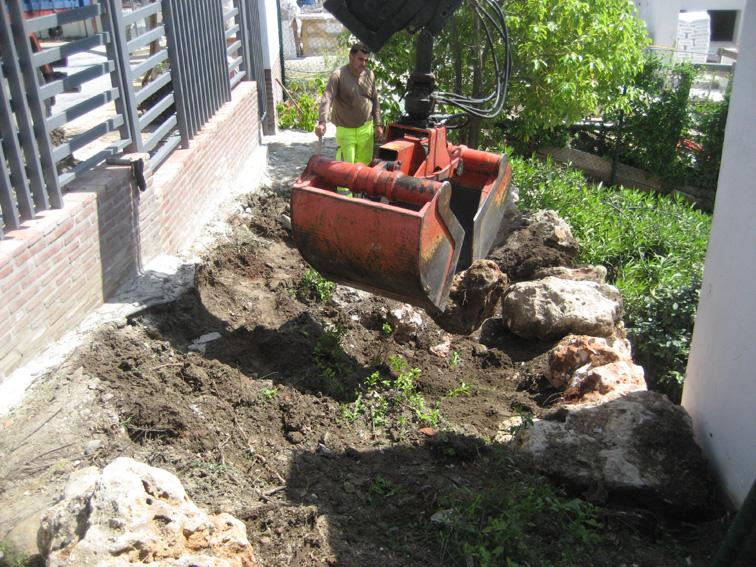 Muro de piedra 4 jardines y piscinas borrego for Jardines y piscinas borrego